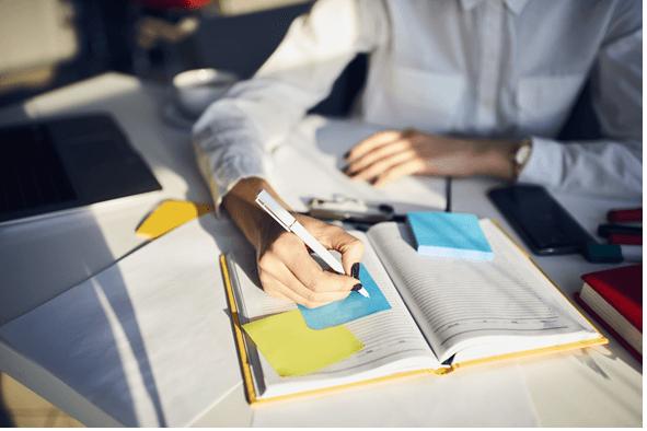 who writes a business plan